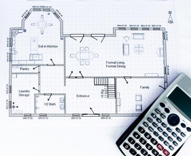 Plan d'ingénierie avec outils d'ingénierie avec calculatrice scientifique - collection de photos de thème d'ingénierie
