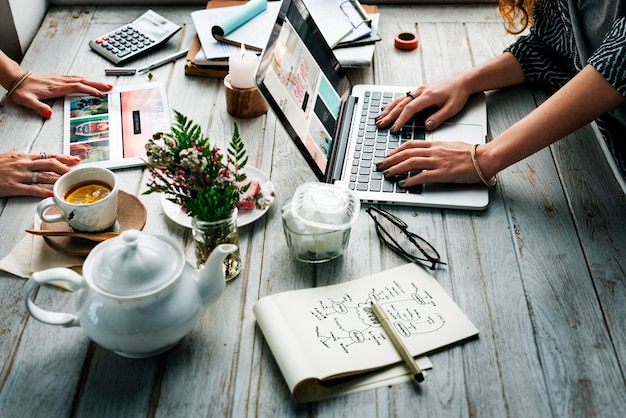Plan de marketing de marchandise en ligne
