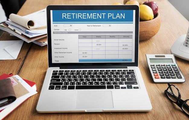Plan de retraite formulaire d'investissement senior adult concept