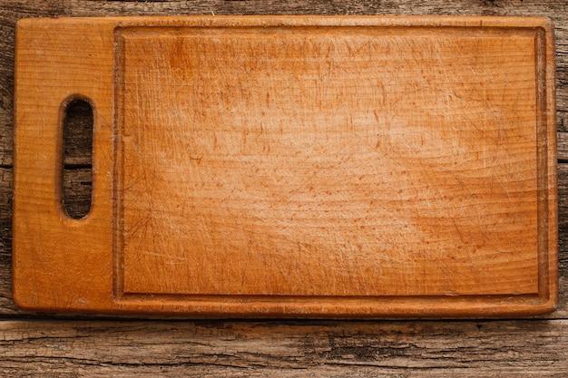 Planche à découper brune vide