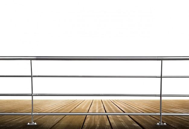 Plancher en bois avec balustrade en métal