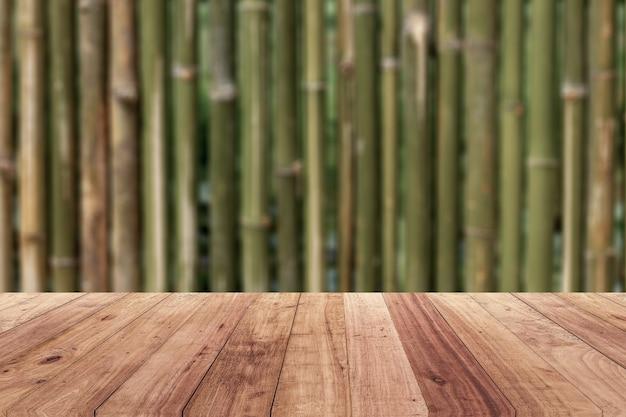 Plancher en bois pour arrière-plan flou modèle d'affichage du produit