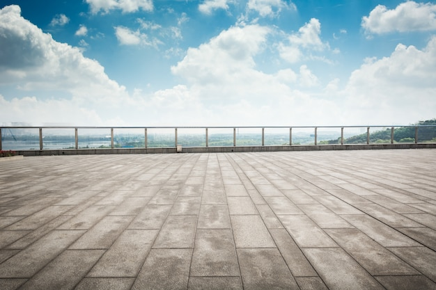 Plancher avec le ciel