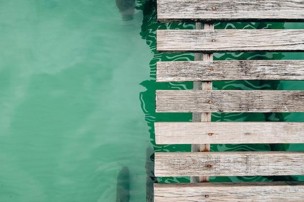 Plancher de pont en bois, vue de dessus