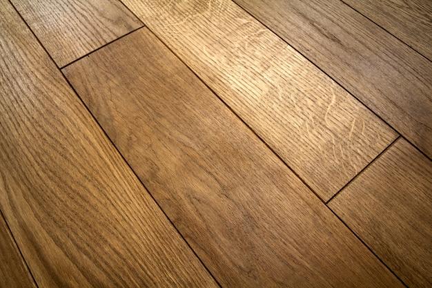 Planches de parquet en bois brun naturel