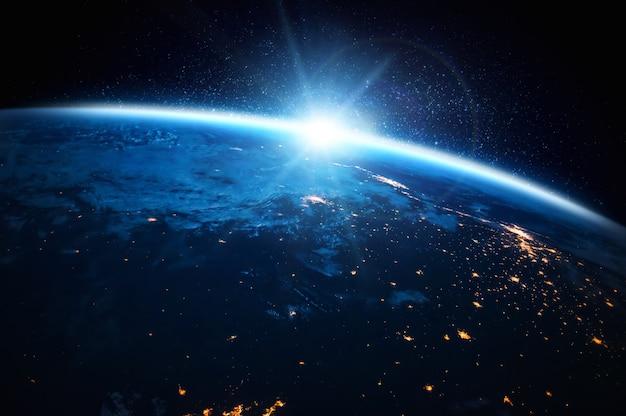 Planète terre globe vue depuis l'espace montrant une surface terrestre réaliste et une carte du monde