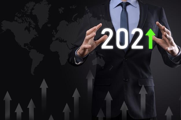 Planifier une croissance positive de l'entreprise dans le concept de l'année 2021.