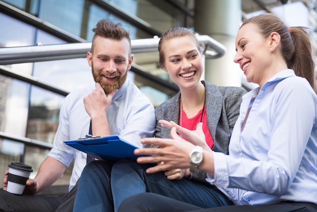 Planifier le travail avec des collègues est un excellent moyen de réussir