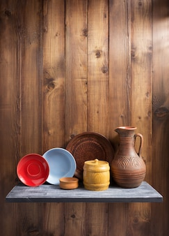 Plaque à étagère en bois de cuisine au mur