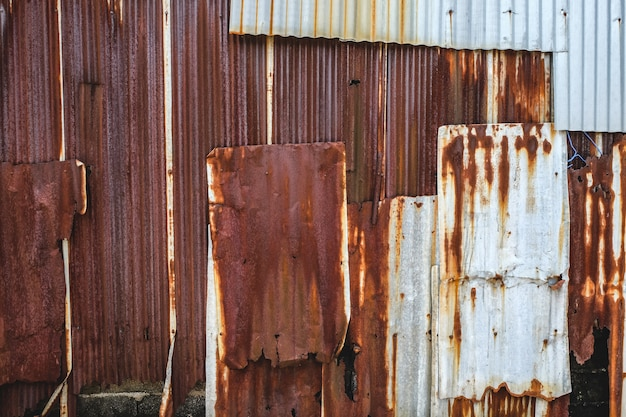 Plaque de fer galvanisé rouillé