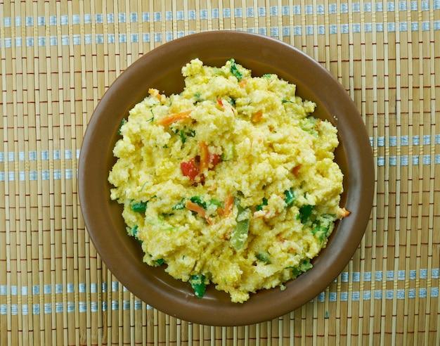 Plat de petit-déjeuner des tamouls du sud de l'inde, du maharashtrian et du sri lanka