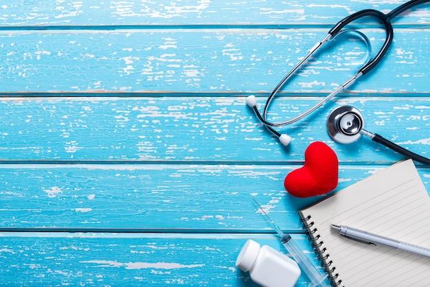 Plat poser antenne du concept de fond d'outils médicaux & soins de santé