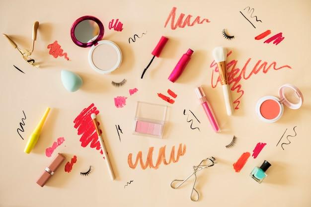 Plat poser des échantillons de maquillage femme