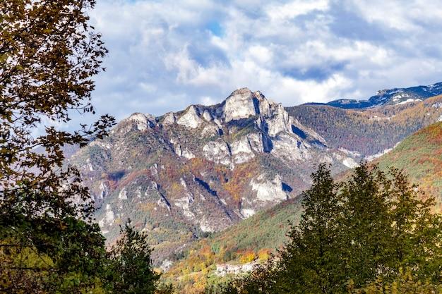 Plateau de folgaria vu du village de guardia.