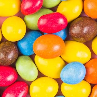 Plein cadre photo de bonbons sucrés colorés