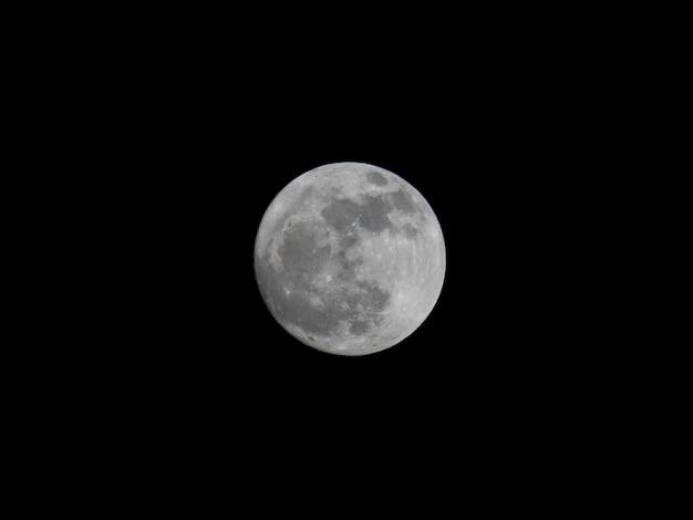 Pleine lune la nuit noire