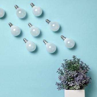La pluie des ampoules à table.
