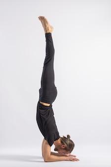 Plume du paon posture yoga posture asana