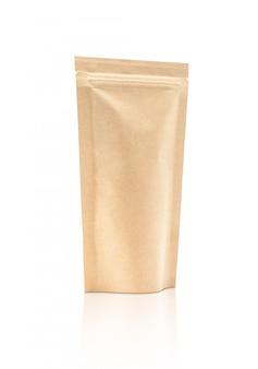 Pochette en papier kraft isolé avec un emballage vide