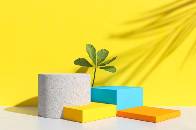 Podium abstrait et vitrine vide, présentoir de magasin ou stand de produit vierge avec forme primitive, arrière-plan minimal. rendu 3d de couleur pastel.