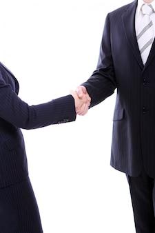 Poignée de main de deux partenaires commerciaux