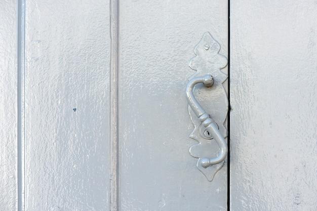 Poignée de porte de construction ancienne