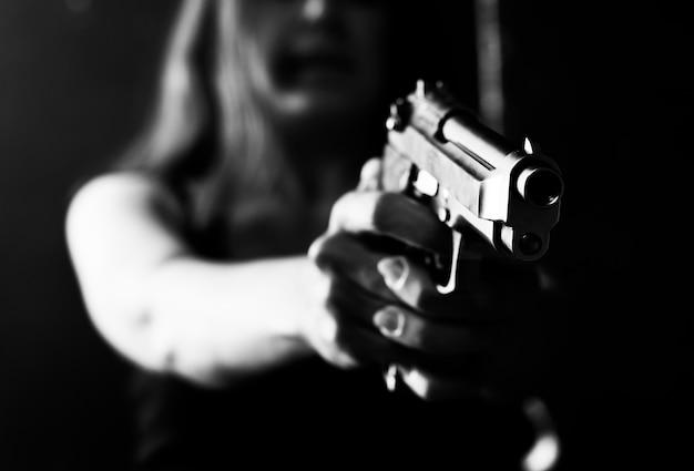Pointant avec pistolet