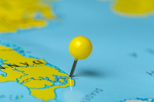 Points de destination de voyage sur une carte