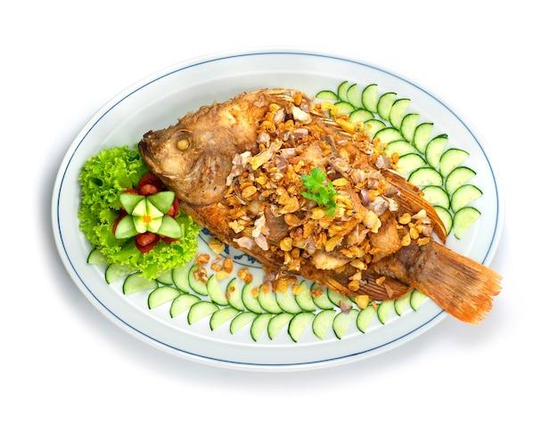 Poisson à l'ail croustillant et poivrons thai food
