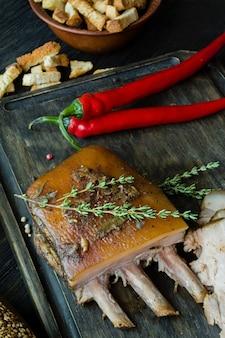 Poitrine de porc cuite aux épices