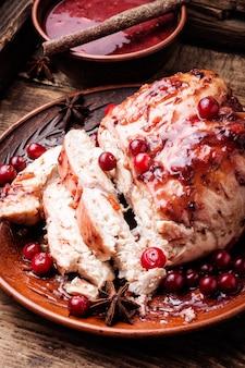 Poitrines de poulet à la sauce aux canneberges