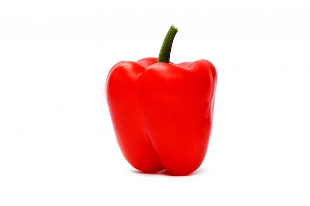 Poivron rouge sur blanc