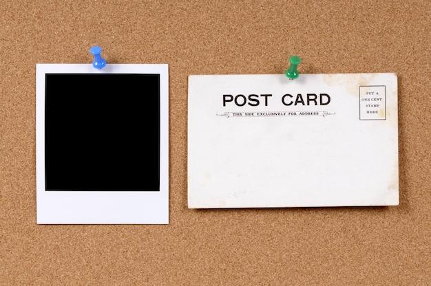 Polaroid photo avec la vieille carte postale