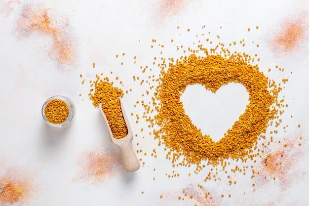 Pollen d'abeille alimentaire médecine.