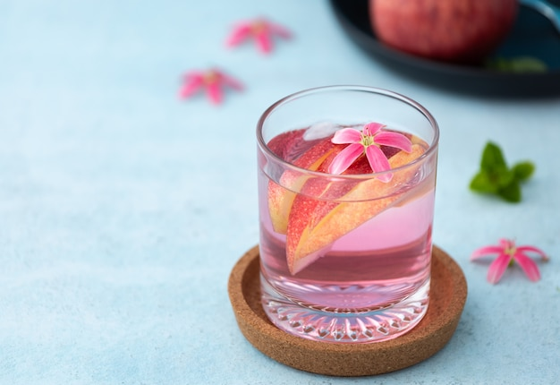 Pomme cocktail rose