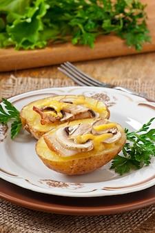 Pomme de terre au four aux champignons et bacon