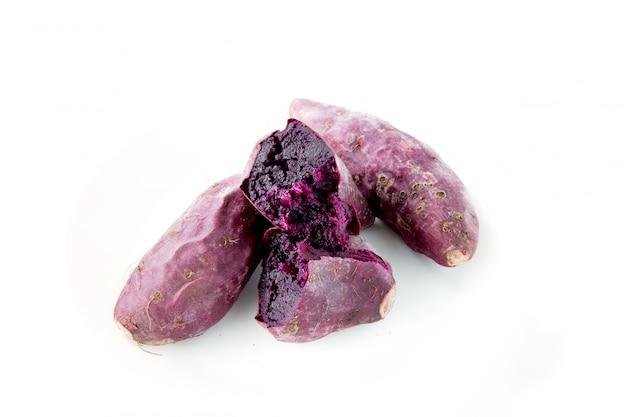 Pomme de terre japonaise ou purple sweet lord sur le marché