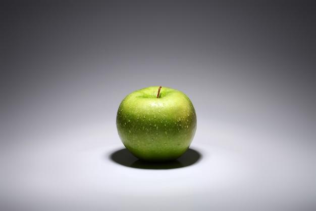 Pomme verte fraîche