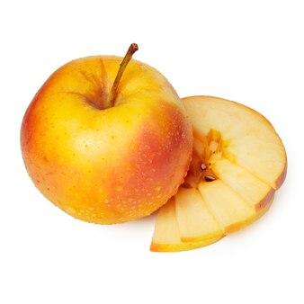Pommes sur fond blanc
