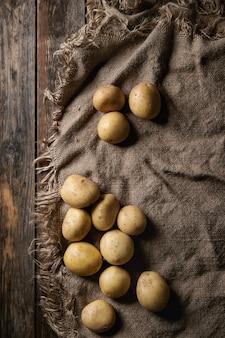 Pommes de terre biologiques crues