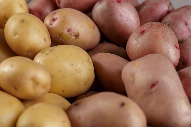 Pommes de terre crues fraîches