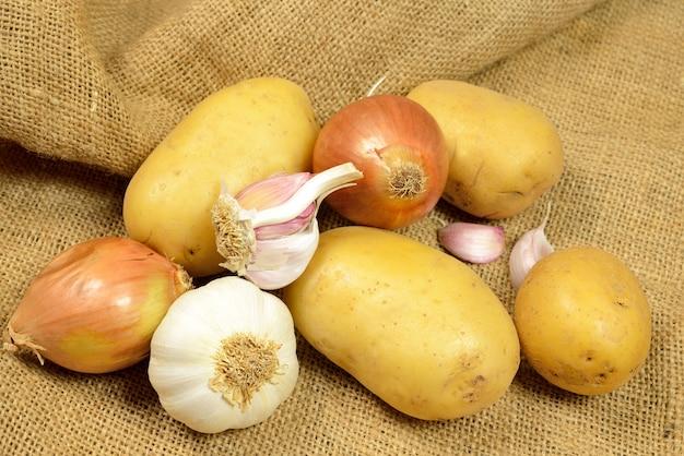 Pommes de terre et oignons