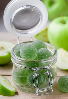 Pommes vertes et bonbons aux pommes