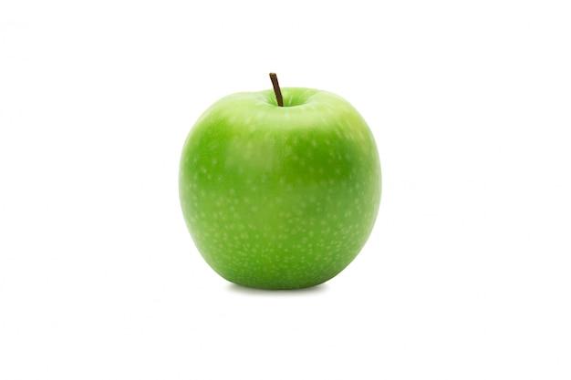 Pommes vertes entières mûres isolées