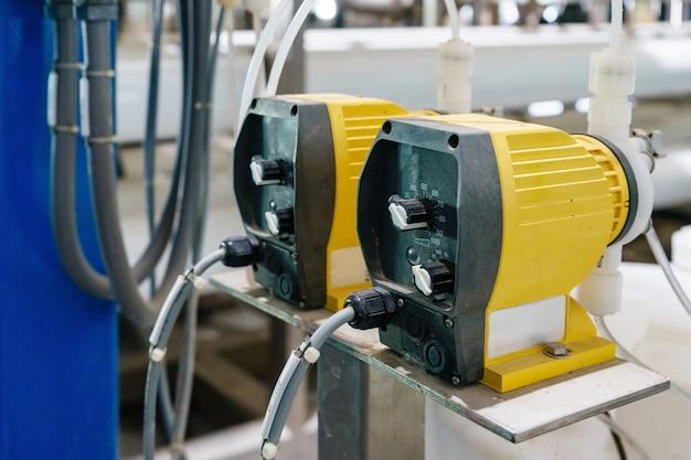 Pompe chimique utilisée dans le traitement des eaux usées, usines de filtration d'eau.