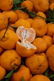 Ponkan fruits au marché de rue à sao paulo