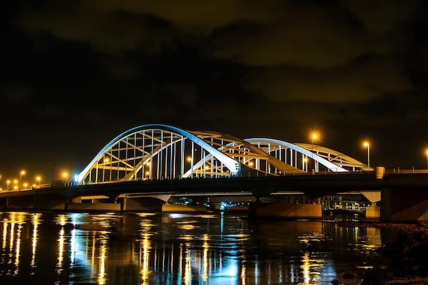 Pont al maqtaa à abu dhabi, emirats arabes unis.