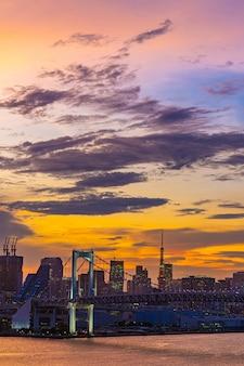 Pont arc-en-ciel de la tour de tokyo, japon