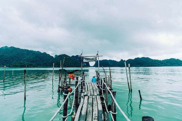 Pont en bois attalet bay à khanom