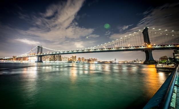 Pont de brooklyn et manhattan de nuit